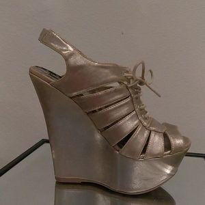 Dollhouse size 7.5 platform shoes